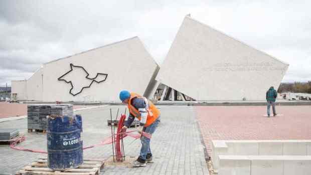 Как продвигается строительство мемориального комплекса на станции Сирень в Бахчисарайском районе