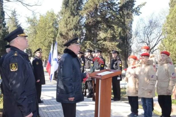 На Черноморском флоте отметили 100-летию легендарной пулемётчицы Нины Ониловой