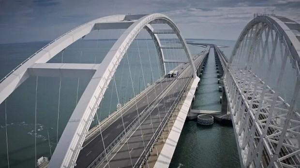 Трафик через Крымский мост за год вырос на 22%