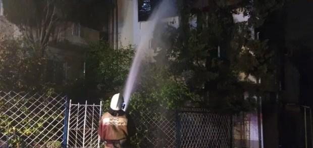 Ночной пожар в Ялте – горел трехэтажный дом. Огонь тушили до утра