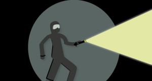 Добычей грабителя стали золотые украшения стоимостью 110 тысяч рублей. Поздно ночью местный житель возвращался домой и не обратил внимание, что следом за ним идёт незнакомец. Убедившись в отсутствии свидетелей, мужчина подбежал к прохожему, резким движением вырвал из его рук сумку, ударил в лицо, затем сорвал с шеи потерпевшего золотую цепочку с нательным крестиком и скрылся. Не найдя в сумке ничего ценного, злоумышленник выбросил её, похищенные ювелирные изделия сбыл в ломбард, а вырученные деньги потратил. В результате оперативно-розыскных мероприятий сотрудники уголовного розыска ОМВД России по Гагаринскому району задержали подозреваемого. Им оказался 31-летний местный житель. Полицейские выяснили, что задержанный ранее уже привлекался к уголовной ответственности. В отношении задержанного возбуждено уголовное дело по ч. 2 ст. 161 УК РФ «Грабёж». Санкция статьи предусматривает максимальное наказание в виде лишения свободы на срок до семи лет. Подозреваемый задержан в порядке ст. 91 УПК РФ. Пресс-служба УМВД России по г. Севастополю