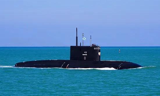 Экипаж подводной лодки «Великий Новгород» Черноморского флота провёл учение по борьбе за живучесть