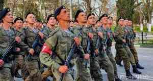 В Керчи прошла репетиция Парада Победы. Какие улицы перекрывают