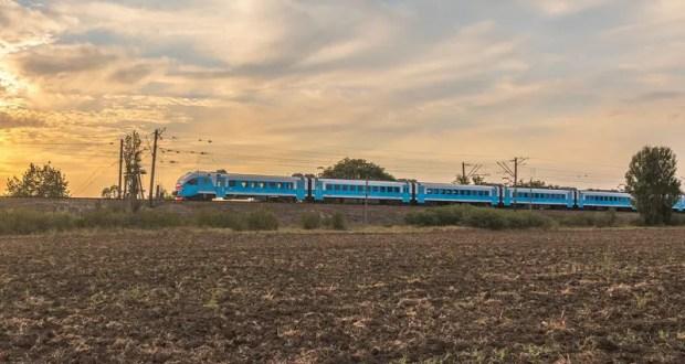 Сход грунта на пути парализовал железнодорожное сообщение с Севастополем