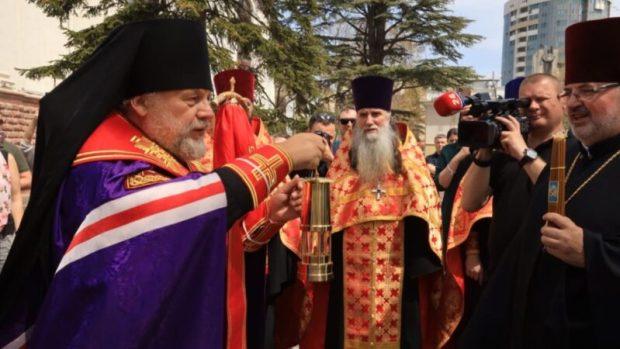 Как в Симферополе встречали Благодатный огонь из Иерусалима