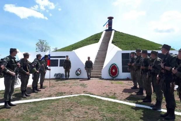 Военнослужащие армейского корпуса ЧФ совершили поход по местам боевой славы крымских партизан