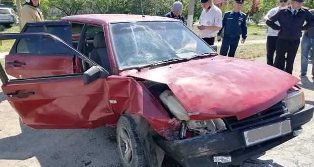 ДТП в поселке Нижнегорский: пострадала пассажирка «девятки»