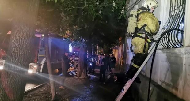 Вечерний пожар в центре Симферополя. Из огня спасена женщина