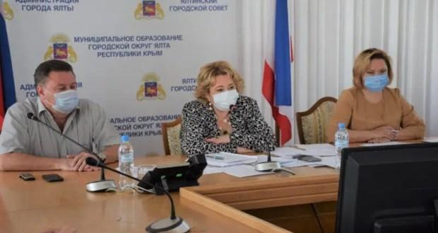 Ялтинцев и гостей курорта предупреждают о «жестких ограничениях» из-за коронавируса
