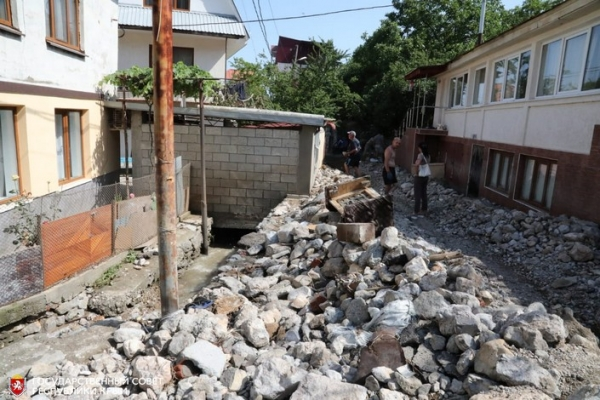 Восстанавливать Ялту после наводнения приедут добровольцы из всех уголков Крыма