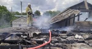 В Кировском районе Крыма сгорел частный дом. Этот и еще 3 пожара минувших суток