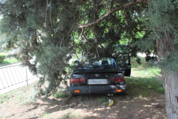ДТП в Евпатории: иномарка сбила детей на тротуаре