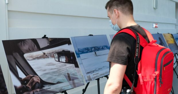 """В аэропорту """"Симферополь"""" - фотовыставка уникальных видов Байкала"""