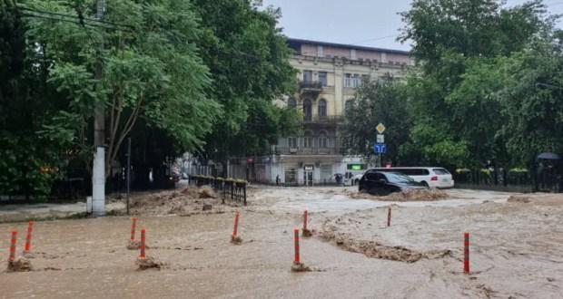 Ялтинцев призвали запастись водой