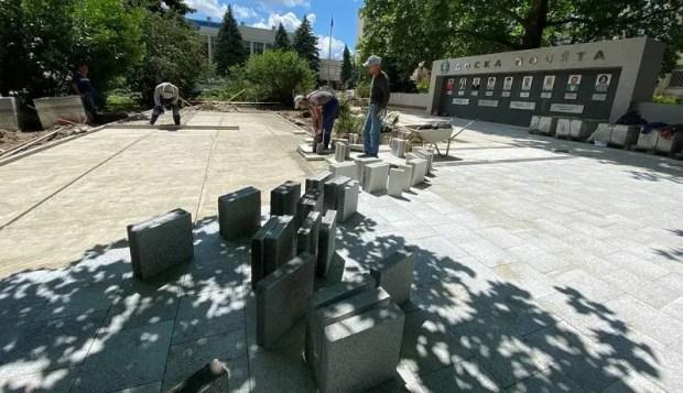 Работы в Казанском сквере Симферополя подходят к завершающему этапу