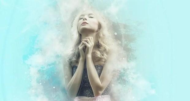 Молитва Спиридону Тримифунтскому о жилье, или... во что верят россияне
