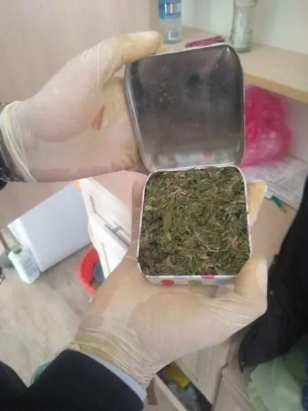 48-летний крымчанин подозревается в сбыте и хранении наркотиков в крупном размере