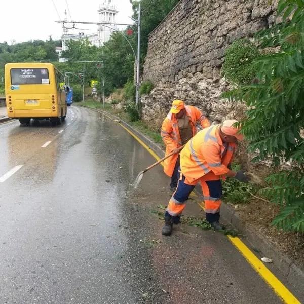 Погода ухудшается: городские службы Севастополя перешли на усиленный режим работы