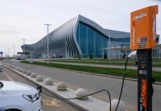 В аэропорту «Симферополь» работают станции зарядки электромобилей
