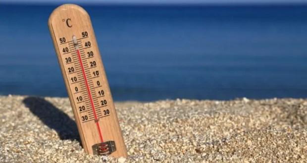 Минздрав Крыма вынужден напомнить многочисленным туристам: жара и алкоголь - несовместимы
