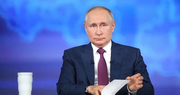 Владимир Путин подписал указ о единовременной выплате по 10 тысяч рублей семьям с детьми