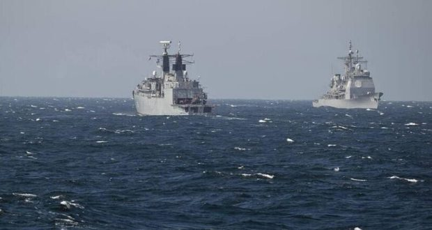 """Лондон храбрится и обещает, что британские корабли продолжат ходить """"через украинские воды"""""""
