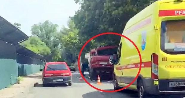 ДТП в Севастополе: на спуске перевернулась легковушка, пострадал ребенок