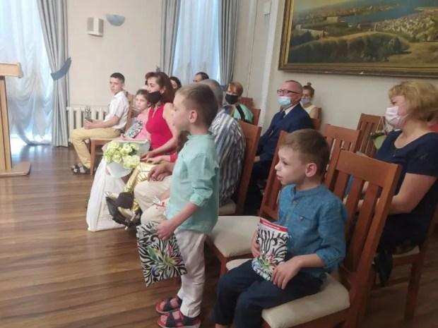 Севастопольские семьи наградили за участие в конкурсе «Особенное счастье - 2021»