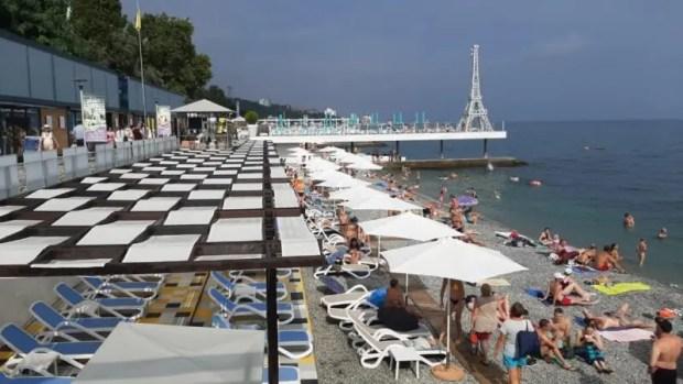 Министерство курортов и туризма Крыма провело рейд по пляжам Ялты