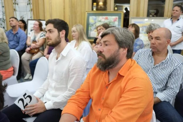 В Ялте провели благотворительный аукцион. Деньги пойдут на помощь горожанам, пострадавшим от ЧС