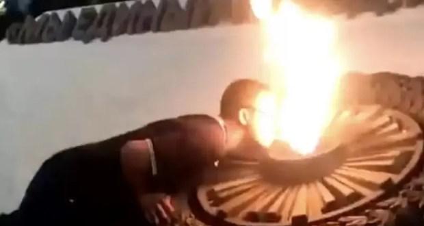 В полиции Севастополя рассказали, какое наказание понесут молодые люди, прикурившие от Вечного огня