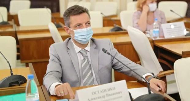"""Министр здравоохранения РК Александр Остапенко: """"Любая из имеющихся в арсенале вакцин - высокая эффективность"""""""