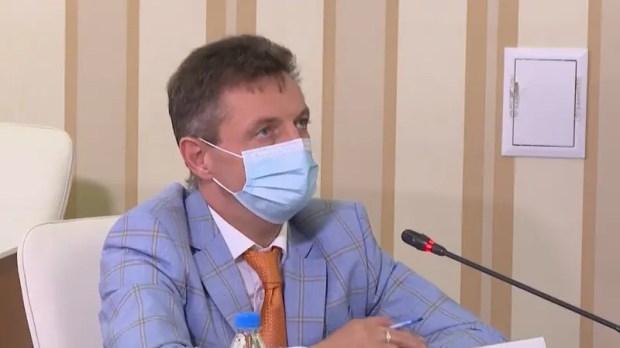 Министр здравоохранения Крыма о вакцинах, коечном фонде и смертности от «ковида»