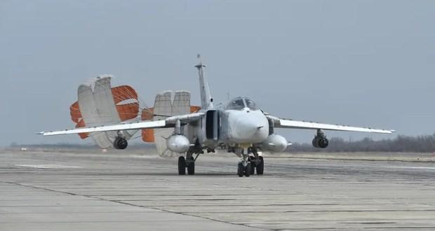 Экипажи самолётов Су-30СМ Черноморского флота выполнили учебное бомбометание по морской цели