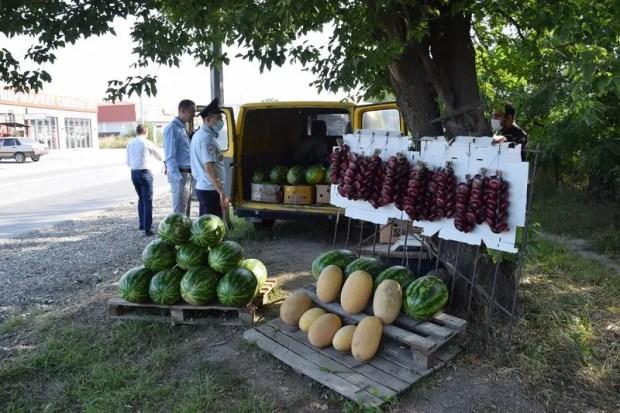 Власти Симферополя напомнили: стихийная торговля бахчевыми культурами – под запретом