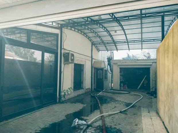 Огнеборцы ликвидировали крупный пожар на территории частного домовладения в Севастополе