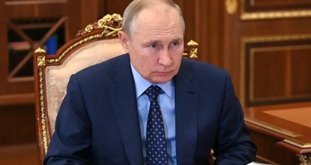 Президент подписал Указ о единовременной выплате в размере 15 тысяч рублей российским военнослужащим