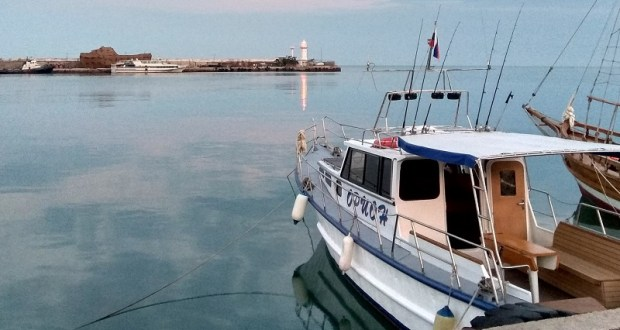Власти Ялты удивлены резким падением официальных доходов владельцев маломерных судов