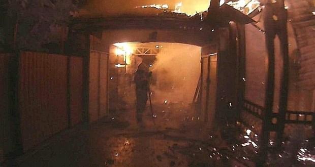 Рано утром в Симферополе сгорел магазин