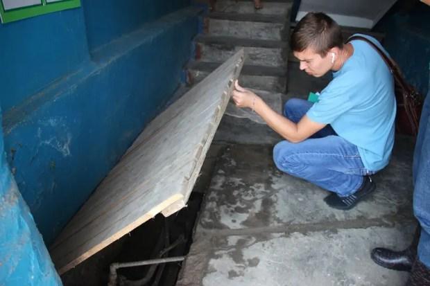 В Керчи глава администрации «заходит в гости» к тем, чьи дома пострадали от потопа