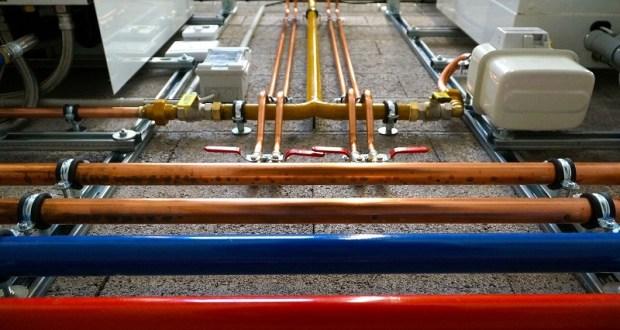 В Крыму решают проблемы отопления: оплаты за услугу, ремонта сетей и снижения теплопотерь