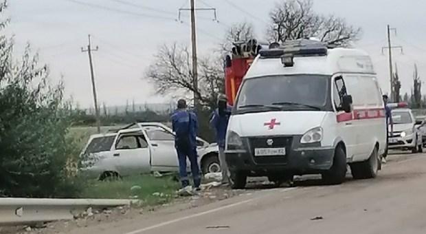 Смертельное ДТП в Кировском районе Крыма: ВАЗ столкнулся с грузовиком