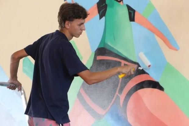 Художники арт-кластера «Таврида» создали арт-объект в школе Судака