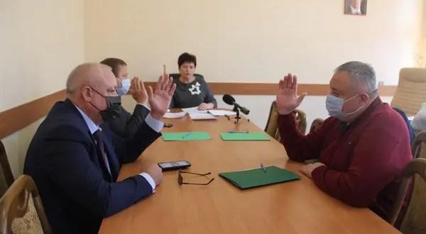 Госсовет Крыма заочно проголосовал за сложение полномочий двух депутатов и отставку вице-премьера