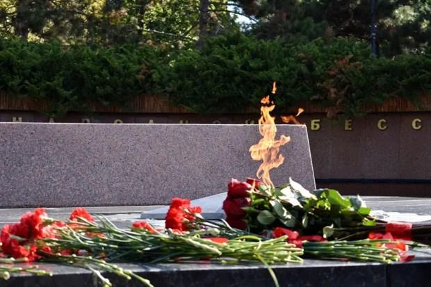 В день окончания Второй мировой войны в Симферополе почтили память погибших героев