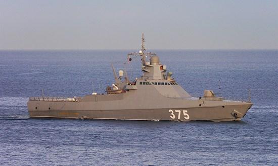 Экипажи кораблей Черноморского флота отработали защиту объектов морской экономической деятельности