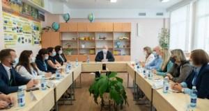 Губернатор Севастополя встретился с классными руководителями школ города