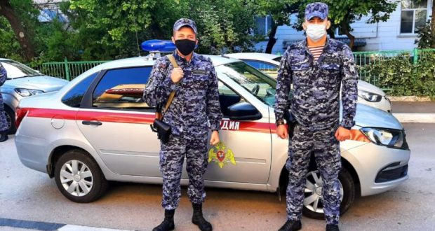 """В Севастополе пьяный мужчина пытался """"нарваться"""" на драку на территории вуза"""