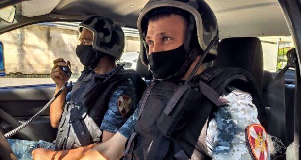 Сотрудники Росгвардии в Севастополе задержали нарушителя общественного порядка
