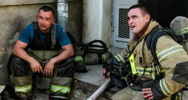 На пожаре в Севастополе спасены 8 человек и собака